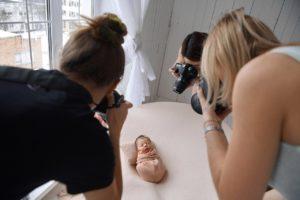 "Obuchenie Babystory 1 300x200 - Программа курса в школе фотографии ""PhotoSpot"""